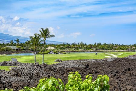 Hawaii Vacation Rentals with a Golf Course
